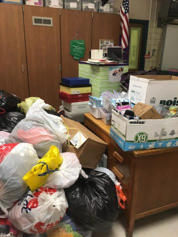 Middle School Donates to Giving Tree